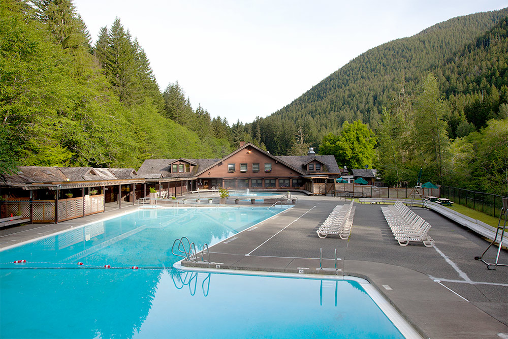 Mineral Hot Springs & Pool