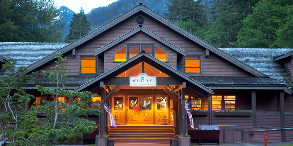 Olympic lodging experience olympic national park for Log cabin resort lago crescent wa