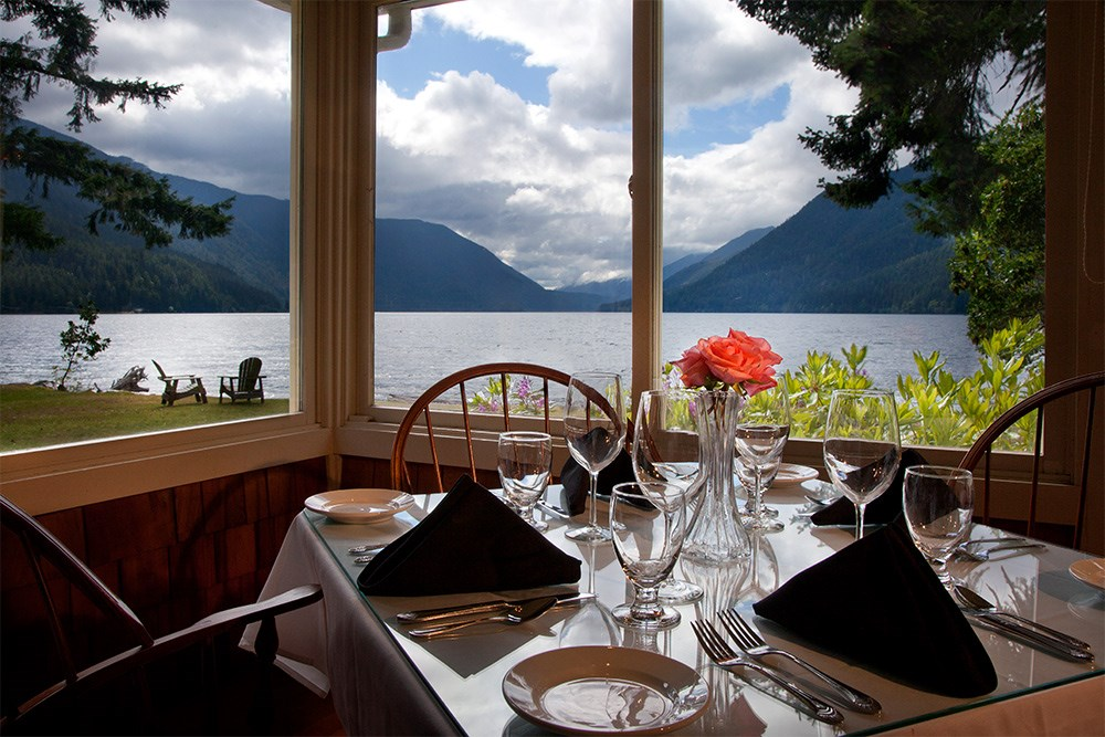 Mother 39 s day brunch olympic national park for Log cabin resort lago crescent wa